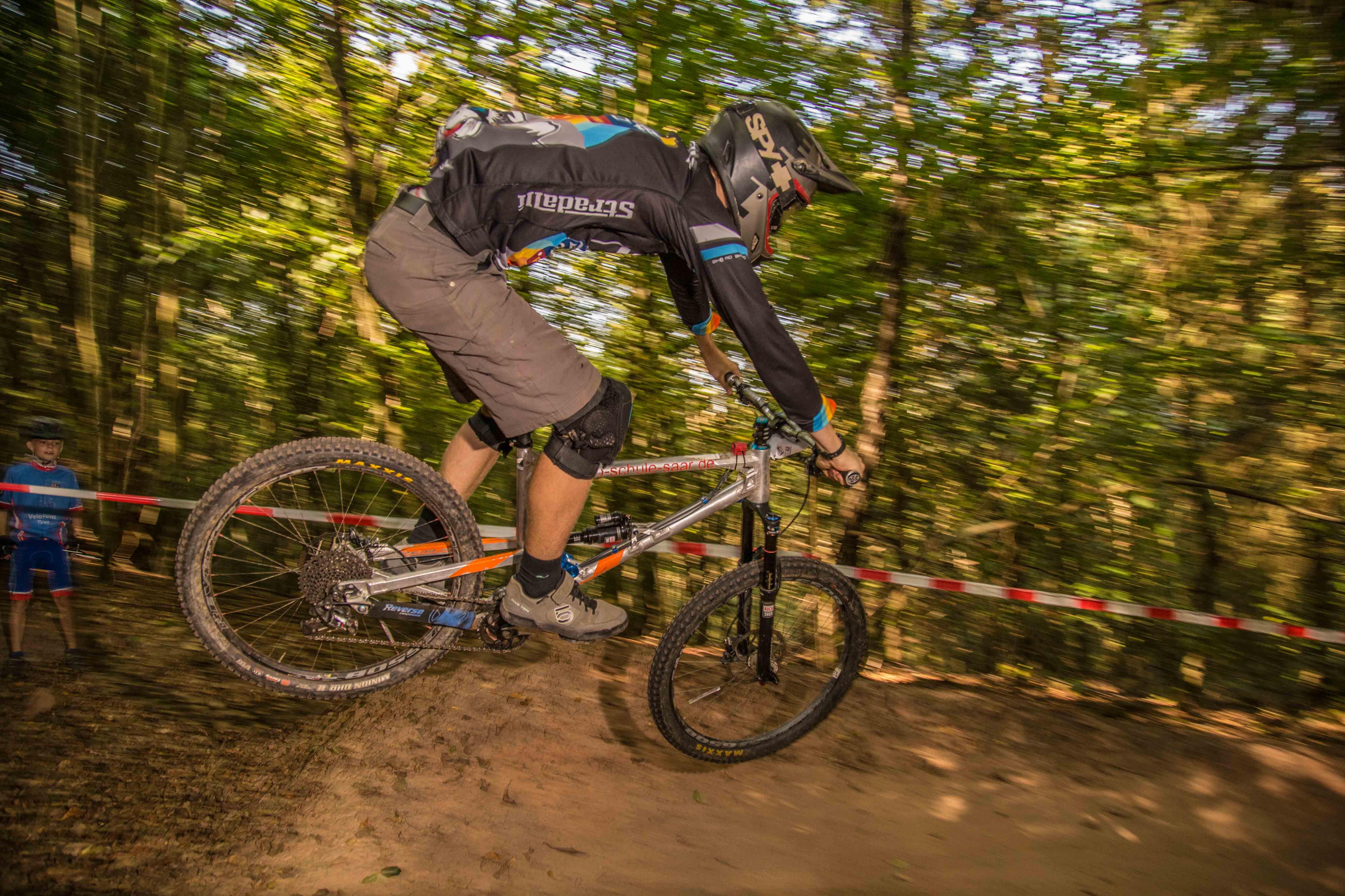 """Luca Biwer zum dritten Male """"King of the Trail"""" in Trassem"""