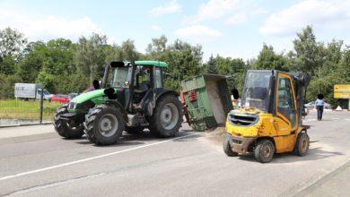 Photo of Traktoranhänger kippt um – PKW kollidiert mit Baum – Zwei Unfälle in Könen
