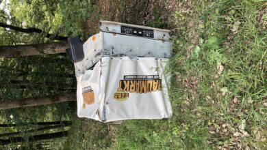 Photo of Hinweise bzgl. eines Anhängeraufbaus erbeten, der an der Unfallstelle zurückblieb.