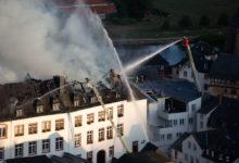 Photo of Verhüllte Verwaltung – Wiederaufbau des Hauses schreitet voran.