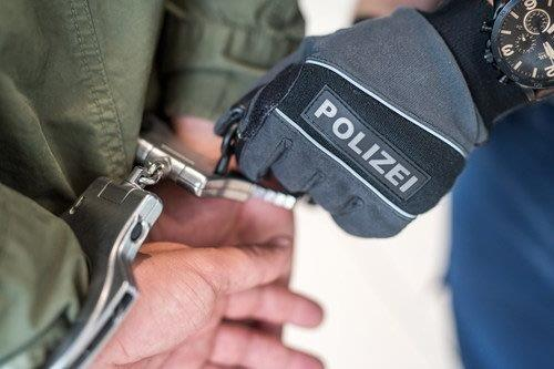 Photo of Polizei verhaftet drei Männer wegen Verdacht des Mordes im Jahr 1991 / Opfer war ein damals 27 Jahre alter Völklinger