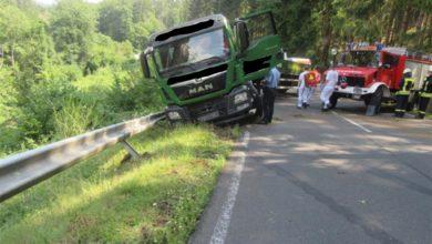 Photo of Verkehrsunfall mit Sattelzug
