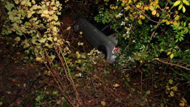 Photo of 24 jähriger landet im Gebüsch auf der K 139 – Fahrer hatte großes Glück.